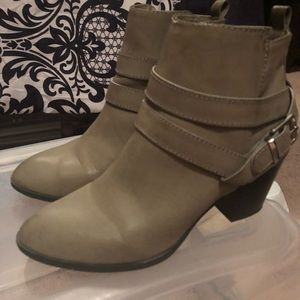 Express Shoes - Express Boots